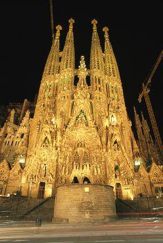 La Sagrada Familia Church, Barcelona, Spain; photo by Richard Nowitz