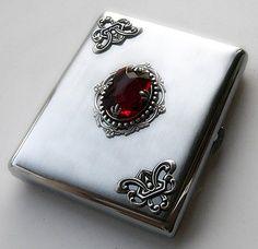 Gothic Cigarette Case | best stuff