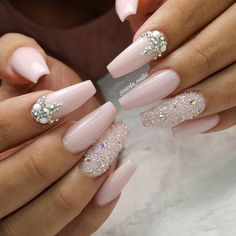 Nagelkunst # Nägel # Nägel # Design Fabulous Nails Best Picture For fall wedding nails acrylic For Your Taste You are looking for something, and it is going to tell you exactly what you are loo Glam Nails, Beauty Nails, My Nails, Pink Bling Nails, Bling Nail Art, Jewel Nails, Pale Pink Nails, Matte Pink, Sparkle Nails