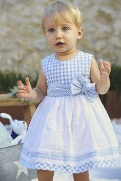 Kids Frocks, Frocks For Girls, Dresses Kids Girl, Little Girl Dresses, Kids Outfits, Sewing Kids Clothes, Baby Sewing, Little Girl Fashion, Kids Fashion