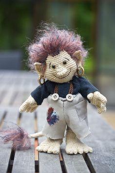 http://anniesgranny.com/wp-content/uploads/2012/07/Troll_crochet_blog1.jpg