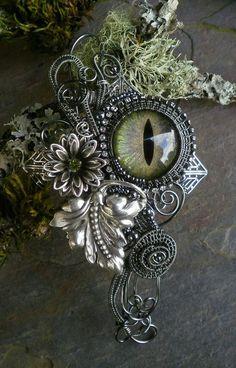 Gothic Steampunk Pin Pendant Botanical Eye di twistedsisterarts