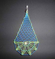 Stoffanhänger - JuniWelle  Anhänger in Grün und Blau klöppeln - ein Designerstück von Kreative-Kloeppelideen bei DaWanda