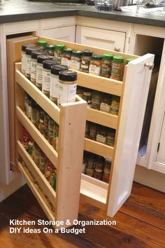 43 Smart Kitchen Storage Design Ideas For Kitchen 43 Smart Kitchen Storage Design Ideas For Kitchen – Designing a custom kitchen in your home for your new or renovated home can be a dream come true or a living nightmare. Today's homeowners are more lik… - Smart Kitchen, Diy Kitchen Storage, Kitchen Drawers, Cupboard Storage, Diy Storage, Kitchen Organization, Kitchen Decor, Storage Ideas, Kitchen Furniture