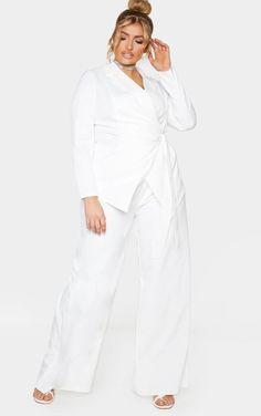 CMH0540 Plus White Pleat Detailed Wide Leg Pants Elevate your whole weekend look with these pants. Featuring a white fabric with pleat detailing and a... Fit Team, Plus Size Pants, Curvy Women Fashion, Wide Leg Trousers, White Fabrics, Dresses For Work, Legs, How To Wear, Blazer