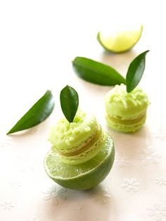 ❥ Citrus macarons - Lime with lime curd filling.