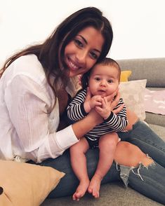 Hangin' out with my bestie❤️ she is too much fun 🙏👯 Mimi Ikonn, Babies R Us, Family Goals, Mothers Love, My Mom, Parenting Hacks, Baby Photos, Besties, Children