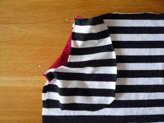 Dámské úpletové šaty s pružným pasem a kapsami | Apron, Model, Sweaters, Fashion, Bags Sewing, Sewing Patterns, Moda, Fashion Styles, Sweater