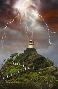 Rayo y tormenta en Wu Wen Chieh, Taiwan