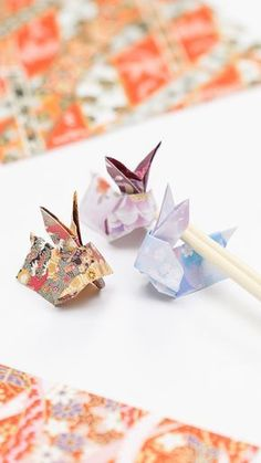 Origami for Everyone – From Beginner to Advanced – DIY Fan Origami Mouse, Origami Fish, Origami Folding, Useful Origami, Diy Origami, Origami Tutorial, Cute Origami, Origami Instructions, Chopstick Holder
