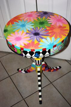 you don't have to worry about it matching anything! Painted Table #painted #furniture