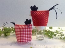 2 tolle Eierwärmer in rot-weiß Fabric Scraps, Planter Pots, Easter, Birds, Embroidery, Quilts, Dolls, Sewing, Crafts