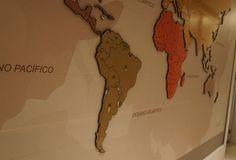 Leandro Selister - Mapa-Múndi em Adesivo e MDF - www.leandroselister.com.br
