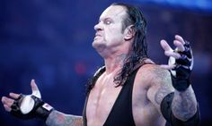 The Undertaker Appears After RAW Goes Off The Air - http://www.wrestlesite.com/wwe/undertaker-appears-raw-goes-air/
