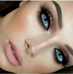 Makeup Tips for Blue Eyes – 10 makeup ideas to enhance blue eyes