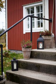 Uusi Kuu -blogi Soothing Colors, Scandi Style, Autumn Inspiration, Container Gardening, Interior And Exterior, Outdoor Power Equipment, Beautiful Homes, Entrance, Interior Decorating