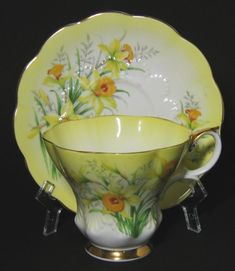Vintage Royal Albert Royal Albert Yellow Daffodil Tea Cup