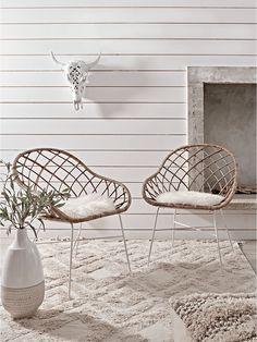 Flat Rattan Armed Chair - Natural