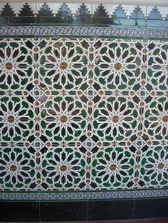 Tile Pattern :: Azulejos