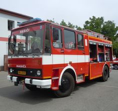 Fire Apparatus, Fire Trucks, Engineering, Appliances, Country, Vehicles, Vintage Cars, Fire Department, Truck