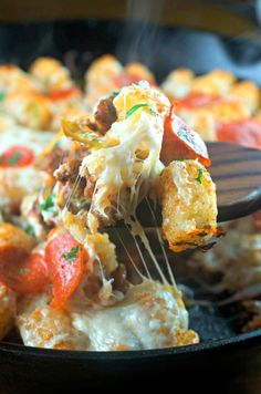 Why are tater tots so good? This tater tot pizza casserole had our kids begging for more but so did the adults!
