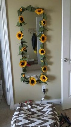 Yellow Room Decoration Ideas - Home Decor Yellow Room Decor, Cute Room Decor, Decor Diy, Yellow Rooms, Wall Decor, Sunflower Room, Sunflower Bathroom, Sunflower Home Decor, Sunflower Kitchen