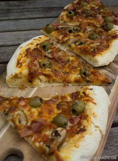 Pizza mit Speck und Oliven - katha-kocht!