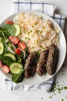 Kufta Recipe, Beef Kofta Recipe, Middle East Food, Middle Eastern Dishes, Middle Eastern Recipes, Kabob Recipes, Grilling Recipes, Cooking Recipes, Healthy Recipes