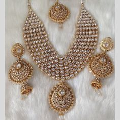 Look gorgeous wearing these beautiful precious Polki Jewellery designs. Check out various Kundan Polki Jewellery, earrings and necklace set wore by celebs. Indian Bridal Jewelry Sets, Wedding Jewelry Sets, Bridal Accessories, Bridal Jewellery, Gold Jewellery, Silver Jewelry, Jewellery Earrings, Opal Earrings, Jewellery Boxes