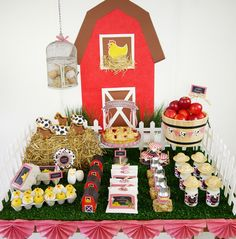 Barnyard Dessert table