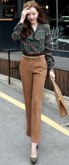 StyleOnme_Autumn Color Side Slit Straight Leg Slacks #dresspants #koreanfashion #kstyle #kfashion #dailylook #falltrend #slacks