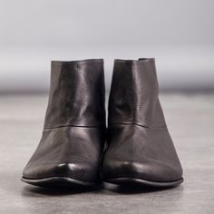 SALE 30% OFF Flat leather boots Womens black by WalkByAnatDahari