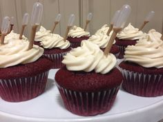Red Velvet Cupcakes with Godiva Chocolate Liqueur Pipettes Drunken Cupcakes, Alcoholic Cupcakes, Alcoholic Desserts, Cupcake Recipes, Cupcake Cakes, Alcohol Infused Cupcakes, Cocktail Cupcakes, Creative Desserts, No Bake Treats