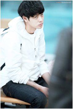 Jung Joon Young, Pop Rock, Happy Pills, Rock Music, Restaurant, Eyes, Simple, Face, Twist Restaurant