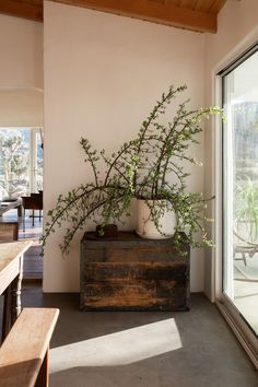 Home Living Room, Living Room Decor, Living Spaces, Paint Colors For Living Room, Small Living Rooms, Room Paint, Cozy Living, Apartment Living, Modern Living