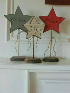 The wood connection: Star Trio – Christmas Crafts Wooden Christmas Decorations, Christmas Wood Crafts, Primitive Christmas, Christmas Signs, Rustic Christmas, Christmas Art, Christmas Projects, All Things Christmas, Holiday Crafts