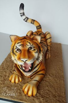 Tiger Cake by Avalon Cakes! Click through to visit the gallery & see even more cakes and tutorials!