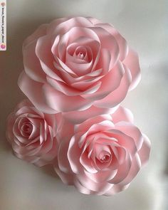Paper Flowers Wall Decor – Soft Pink Paper Flowers – Giant Paper Flowers – Large Paper Flowers – Paper Flowers Backdrop – Wedding Decor - New Deko Sites Big Paper Flowers, Paper Flower Wall, Giant Paper Flowers, Flower Wall Decor, Paper Roses, Flower Decorations, Origami Flowers, Diy Flowers, Fabric Flowers