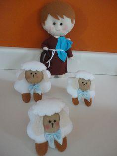 O pastor Davi e suas ovelhas em feltro.