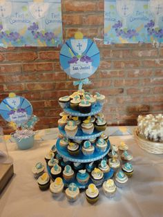 i made this cupcakes for my son first communion