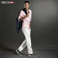 Esportivo ou social? O tênis de couro Nexus (ref 8555) é discreto, elegante e perfeito para atualizar a calça social. Os modelos de cano médio também são uma ótima opção.  Conheça outras opções de modelos e cores que combinam com o look no nosso site www. ferracini. com