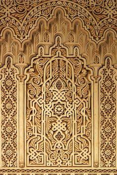 Как архитектурный элемент единственно художественная ковка способна передать всю многогранность и богатство декора. Неповторима и уникальна каждая деталь ковки, в которой сочетание роскоши и красоты задают стиль дизайну всего интерьера. Хотите видеть у себя в покоях восточный шарм или строгую готику, может чистую классику  - пожалуйста! Позвоните нам, друзья! Мы будем рады дарить Вам красоту и комфорт!  #luxuryhomes #luxuryhotel #luxury  #скидки #sale #ковка   #художественнаяковка #дизайн…