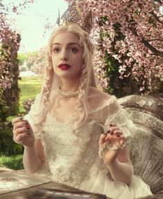 Alice through the Looking Glass: The White Queen