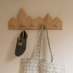 City Coatrack - innovative coat hooks for the home Daughters Room, To My Daughter, Furniture Inspiration, Interior Inspiration, Fixer Upper Furniture, Coat Hooks, Diy Home Improvement, Room Interior, Cool Things To Make