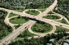 CLOVER LEAF : a grade-separated intersection system based on right turns