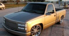 ideas for trucks Custom Chevy Trucks, Chevy Pickup Trucks, Classic Chevy Trucks, Chevy Pickups, Chevrolet Trucks, Chevy 4x4, Chevrolet Silverado, Camo Truck, Obs Truck