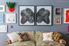 07-decoracao-sofa-florido-quadros