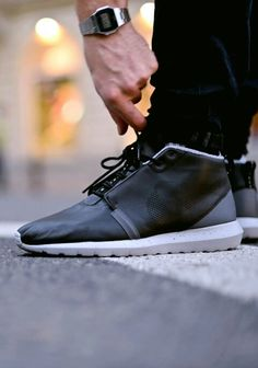 size 40 a24ac a5664 Roshe run mid leather Cheap Nike, Nike Shoes Cheap, Running Shoes Nike, Nike