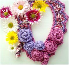 Rosa e lilás, colar de crochê