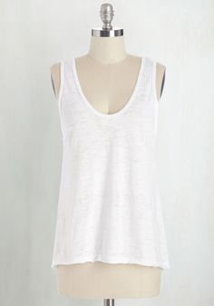 Basically Cool Top in White From the Plus Size Fashion Community at www.VintageandCurvy.com